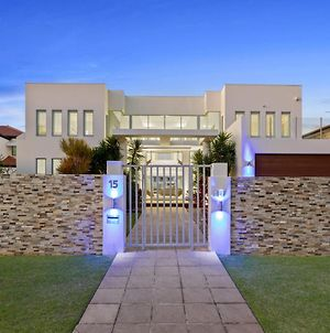 The White House Gc Waterfront Home Cinema Jacuzzi Heated Pool photos Exterior