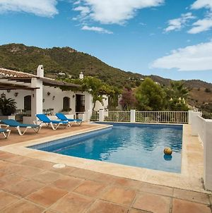Modern Mansion With Swimming Pool In Frigiliana Spain photos Room