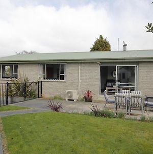 Mountain View Hideaway - Te Anau Holiday Home photos Exterior