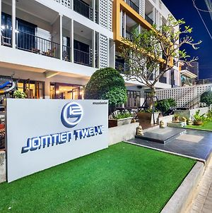 The Jomtien Twelve photos Exterior