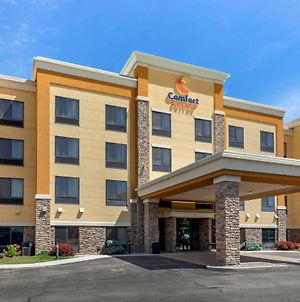 Comfort Suites Oshkosh photos Exterior
