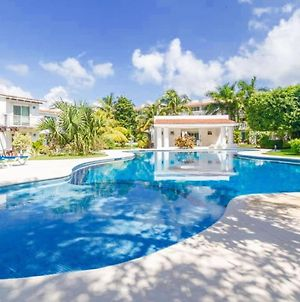 2 Bedroom Villa, Close To Beach, Large Pool photos Exterior