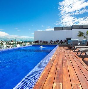 Modern Sleek 2 Bedroom Close To Beach Paradise! photos Exterior