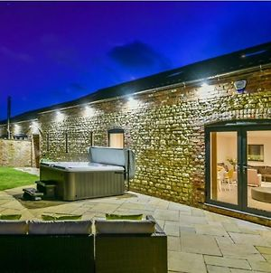 Immaculate 4-Bed Cottage In Lincoln photos Exterior
