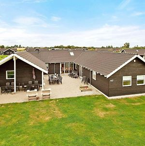 Nine-Bedroom Holiday Home In Idestrup 1 photos Room