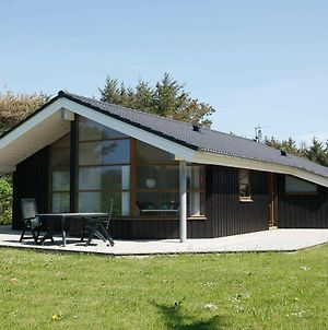 Three-Bedroom Holiday Home In Lokken 23 photos Room