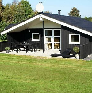 Three-Bedroom Holiday Home In Oksbol 27 photos Room