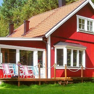 Three-Bedroom Holiday Home In Sollentuna photos Exterior