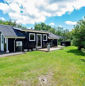 Four-Bedroom Holiday Home In Blavand 26 photos Room