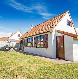 Serene Holiday Home In De Haan Near Sea Beach photos Exterior