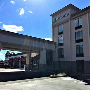 Holiday Inn Danbury-Bethel At I-84 photos Exterior
