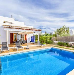 Villa In Cala D'Or Sleeps 6 Includes Swimming Pool Air Con And Wifi 5 photos Exterior