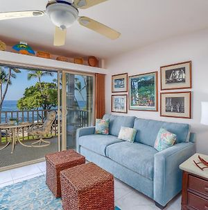 Direct Ocean Front Beautifully Updated End Unit Ac photos Exterior