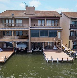 Lake Lbj Waterfront Townhouse With Private Boat Slip And Steps From Hsb Resort photos Exterior
