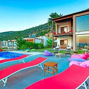 Villa In Bodrum Sleeps 10 With Pool Air Con And Wifi photos Exterior