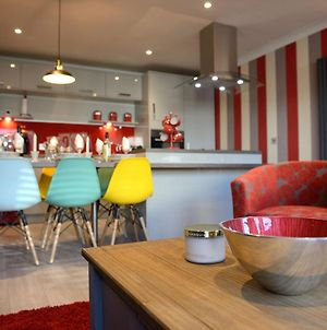Striking Boutique Style 2 Bdr In Vibrant Kemp Town photos Exterior