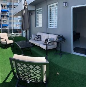 Isla Verde Oasis Ph With Private Terrace, Kingbed, Wifi, Pk photos Exterior