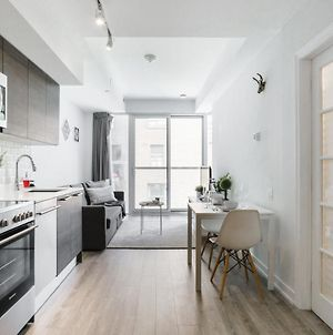 Luxury 2Br Condo Steps From Subway photos Exterior