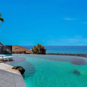 Gorgeous Infinity Pool Gated Magnificant Views Io Way photos Exterior
