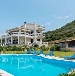 Swanky Holiday Home In Gourgovli With Private Swimming Pool photos Exterior