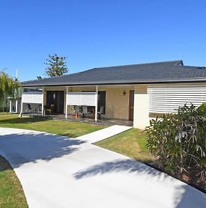 Urangan Harbour Bungalow photos Exterior