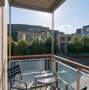 379 Luxury 3 Bedroom City Centre Apartment With Private Parking And Lovely Views Over Arthur'S Seat photos Exterior