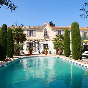 Villa With 5 Bedrooms In Saint Gilles With Private Pool Furnished Garden And Wifi photos Exterior