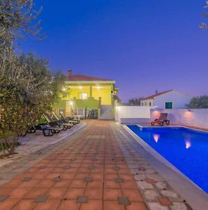 4 Villa Pistachio With Pool And Green Garden photos Exterior