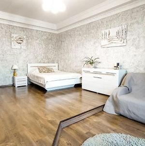 Centre! Cozy Stylish Flat In The Heart Of Kyiv ! photos Exterior