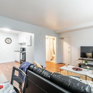 Newly Renovated - Bright And Modern 2Br Near Downtown photos Exterior