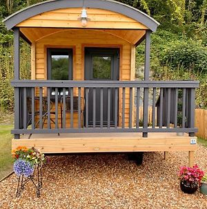 Shepherds Hut At Wern Mill photos Exterior