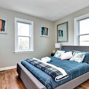 Newly Renovated - Modern 2Br With King Bed - Near Downtown! photos Exterior