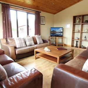 Stunning 4 Bedlog Cabin In Kerrykeel - Sleeps 10 photos Exterior