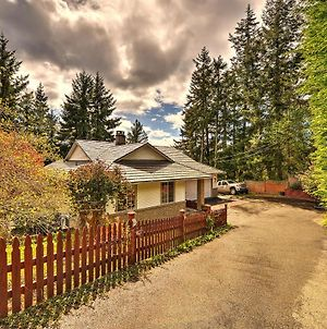 Nanoose Bay Country Home photos Exterior