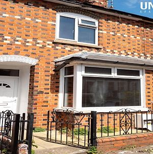 Spacious 4 Bedroom House Close To City Centre photos Exterior