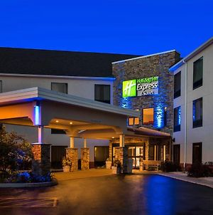 Holiday Inn Express Great Barrington photos Exterior
