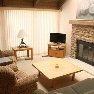 Mill Run #5 - 4 Bedroom / 2 Bath - Beautiful Remodel - Shuttle To Town photos Exterior