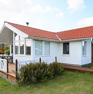 Three-Bedroom Holiday Home In Jaegerspris 6 photos Exterior