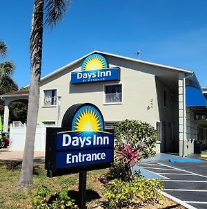 Days Inn By Wyndham Bradenton I-75 photos Exterior