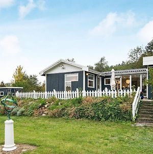 Four-Bedroom Holiday Home In Ebeltoft 17 photos Exterior
