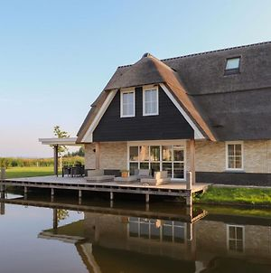 Luxurious Wellness Villa With Sauna, Located By The Tjeukemeer photos Exterior