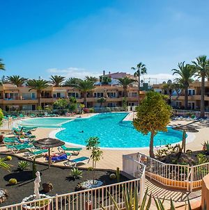 """Corralejo Dunes Apartment """"Tropical"""" With Pool & Wifi- Only 300M To The Beach By Holidays Home photos Exterior"""