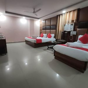 Hotel Ravin Near Igi Airport Delhi photos Exterior
