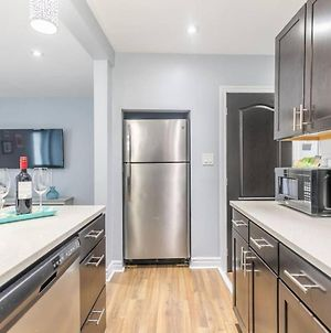 Newly Renovated - Upscale 1Br With King Bed - Downtown! photos Exterior