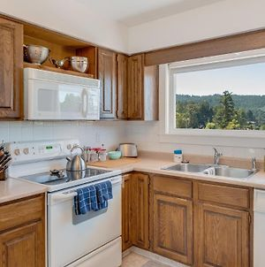 A Peaceful Stay In Brentwood Bay photos Exterior