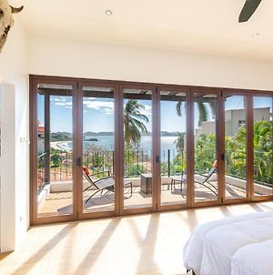 Luxury Ocean-View Flamingo Home With Pool - Upstairs Apartment And Party Deck photos Exterior