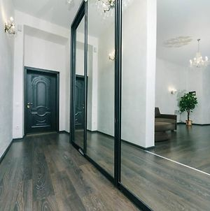 Apartment In The Heart Of The Kyiv photos Exterior