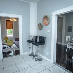 Remodeled Historic 2Br 1Ba House Near Downtown photos Exterior