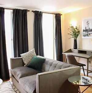 The Mulberry- Cliffordco Serviced Accommodation Windsor, 1 Bedroom Apartment, Up To 4 Guests And Balcony photos Exterior