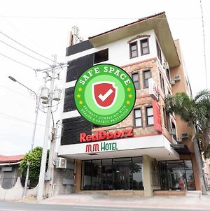 Reddoorz Plus Near Bamboo Organ Las Pinas photos Exterior